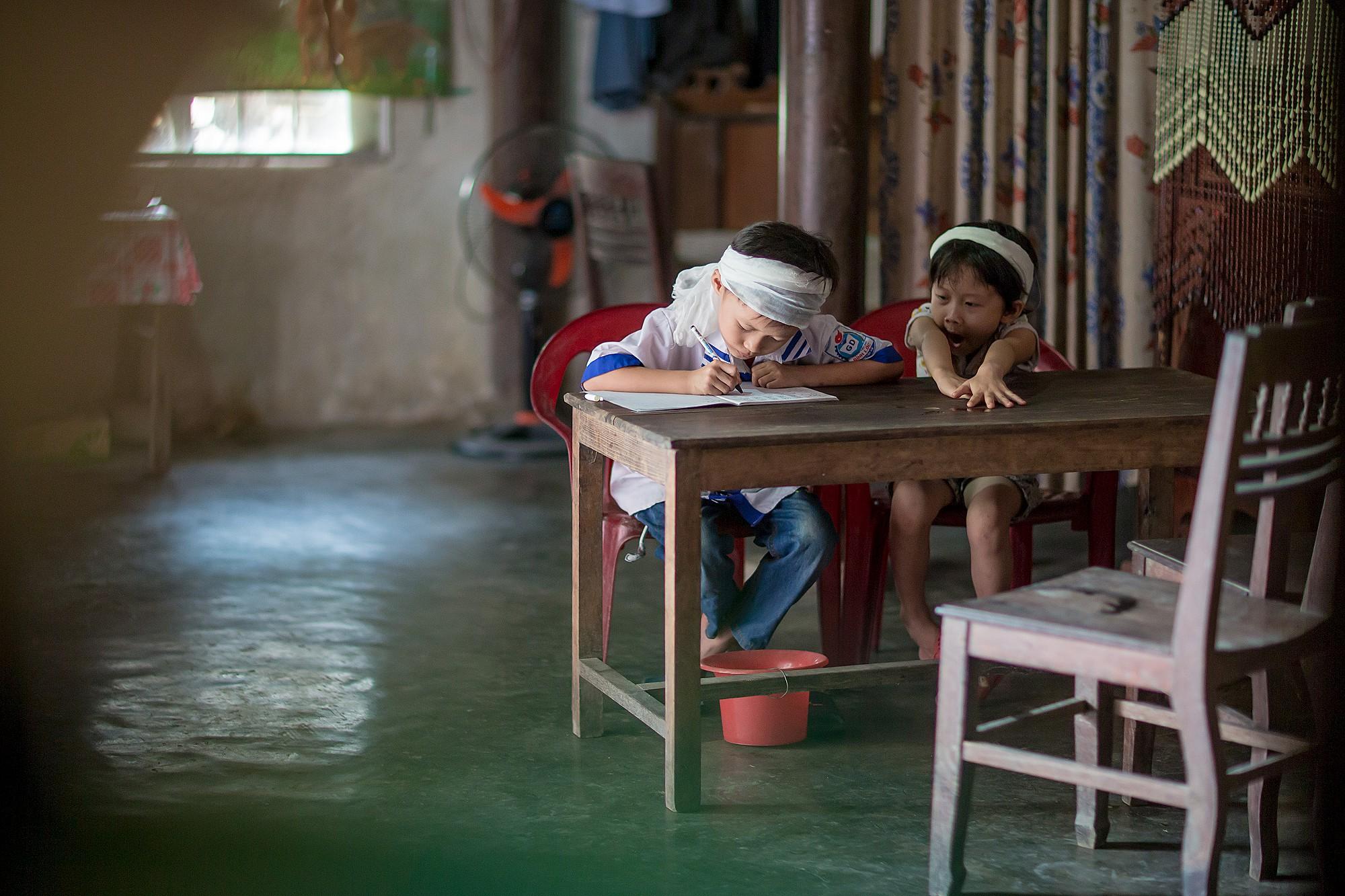 中越之中(越南):達克龍山區幼兒園寒冬送暖及新年餐會